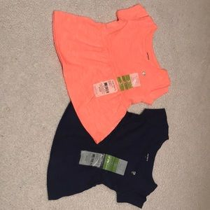 Baby bundle 2 Carters short sleeve pullovers. 😍